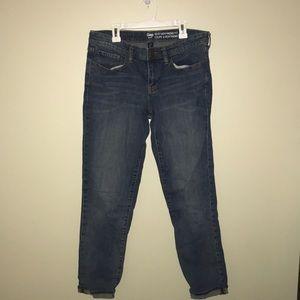 Gap Sexy Boyfriend Fit Crop Jeans size 6